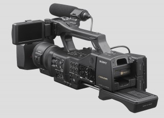 sony ea50 21 320x231 The new Sony NEX EA50   ultimate large sensor supercam?
