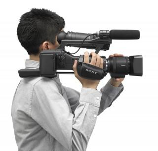 sony ea50 3 320x306 The new Sony NEX EA50   ultimate large sensor supercam?