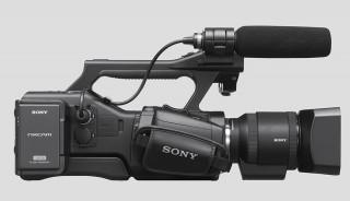 sony ea50 4 320x184 The new Sony NEX EA50   ultimate large sensor supercam?