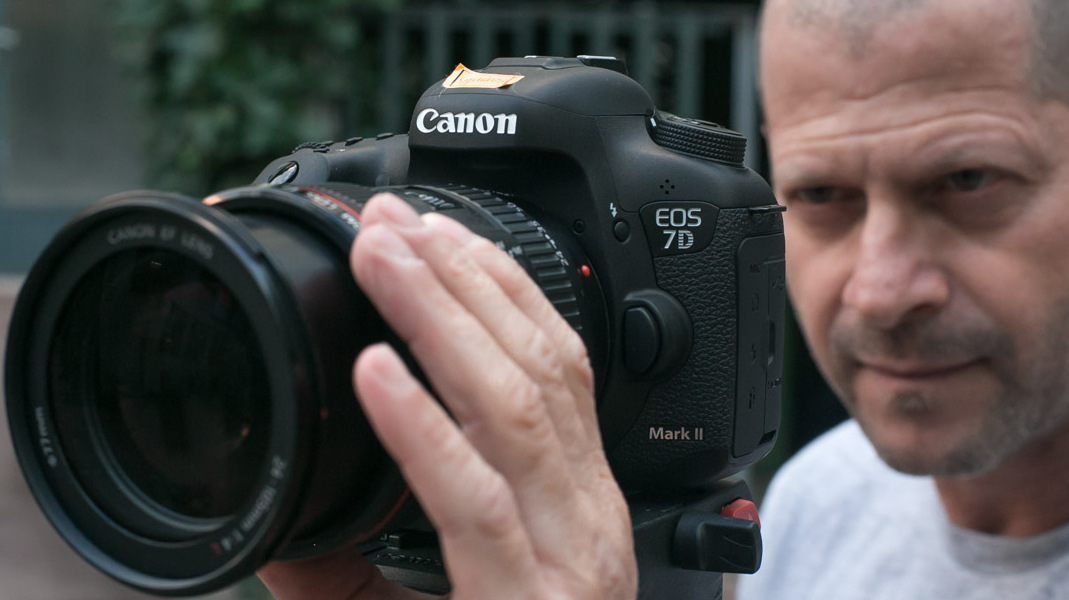 Canon 7D mark II Review - Footage and First Look at Video