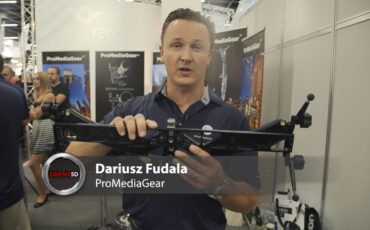 ProMediaGear PMG-Duo is a Curved Slider with Straight Track