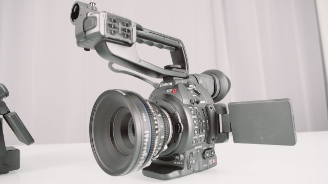 c100_mk2_hands_on_2