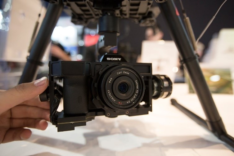 DJI at CES 2015 - Thumb controller for Ronin, 4K handheld camera, A7S & Hero 4 Gimbals