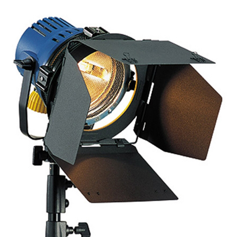 Arri_800w_2_Head_Kit_Redhead  sc 1 st  cinema5D & Let There Be Light u2013 Four Common Types of Film Lights