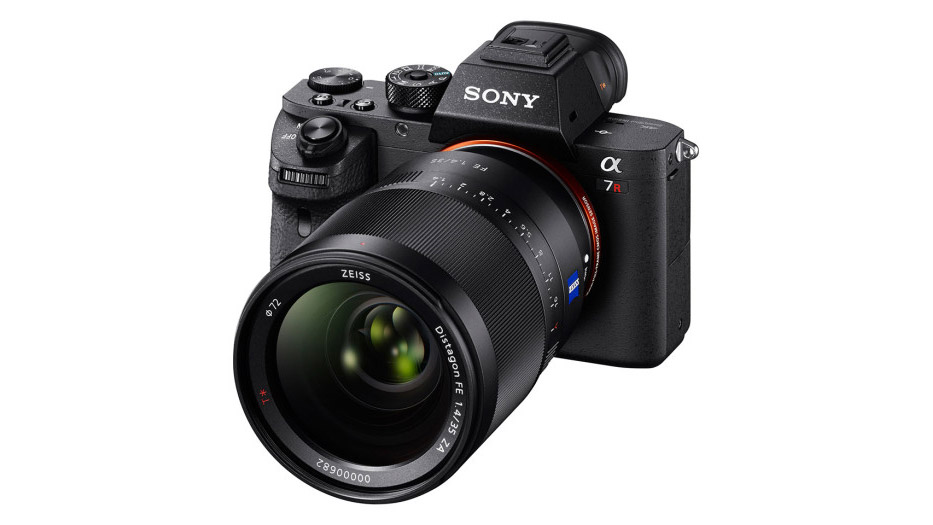 Sony A7rII Internal 4K Full Frame 35mm Camera Announced