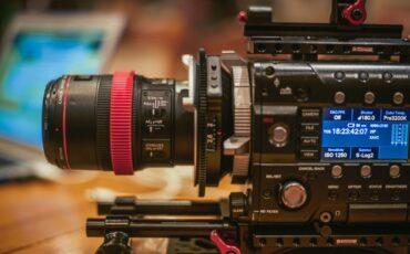 Metabones FZ to EF Cine - All Lens Adaptors Should Be Like This
