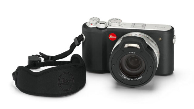 leica x-u (typ 113) with carry strap