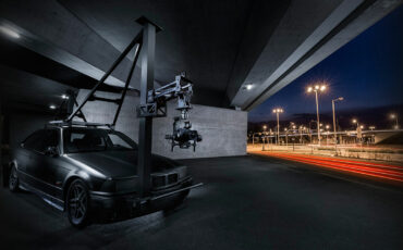 DitoGear Lifter - Raise Your Camera Off That Moving Car!