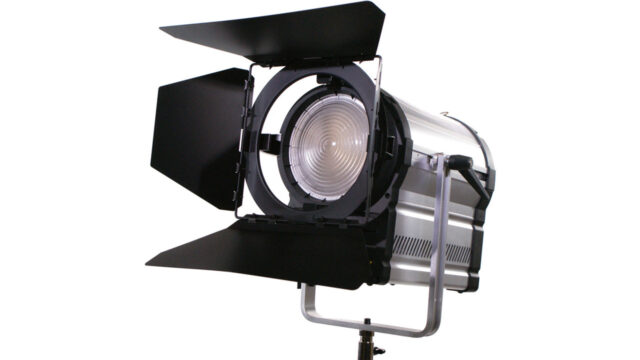 Light-Cannon-F-485-LED-soft-light