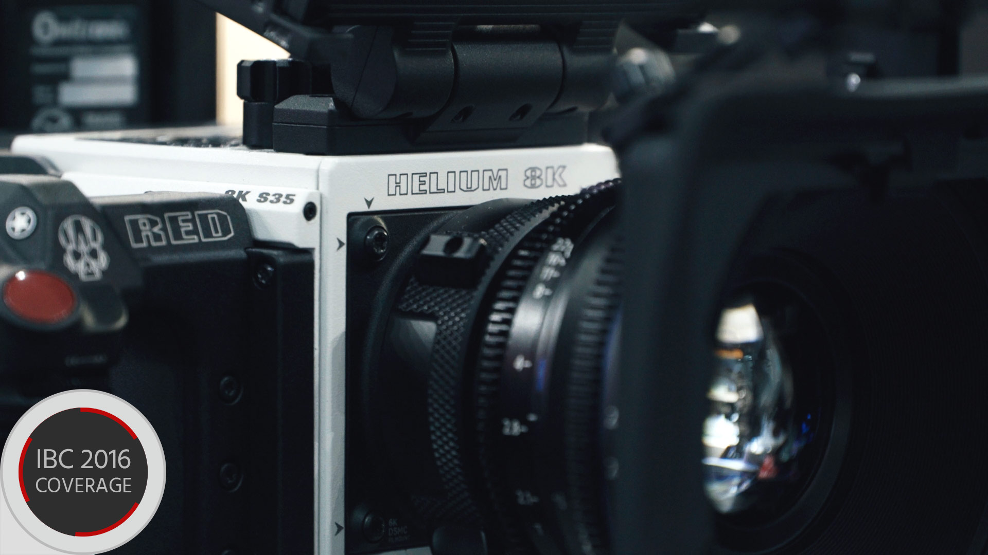 RED Weapon Helium 8Kカメラ — 白い筐体をIBCで初展示