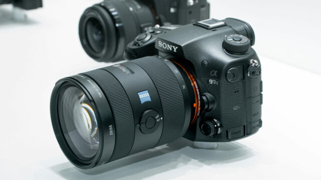 Sony a99 II side