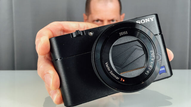 Sony-RX100 V