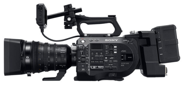 Sony FS7 II with Sony E PZ 18-110mm f/4 G OSS Lens