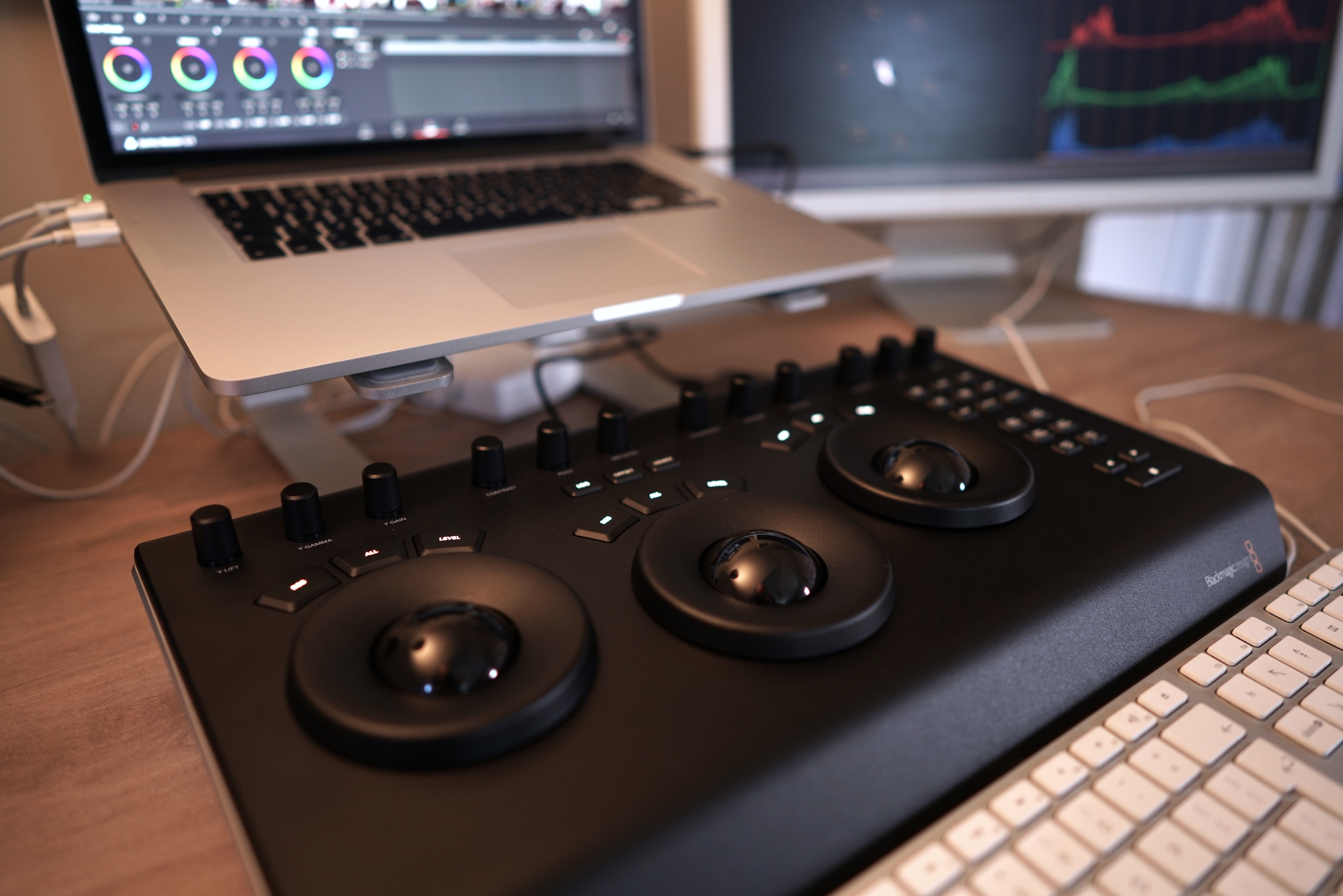 Davinci Resolve Micro Panel Hands On Review Cinema5d