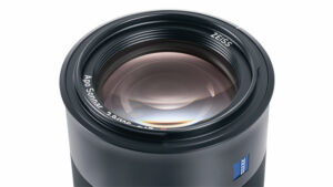 ZEISS Batis 2.8/135mm telephoto prime lens close up