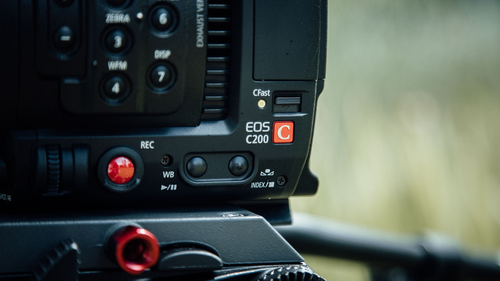 Canon C200 Review - Impressive RAW Footage & Ergonomics For Little