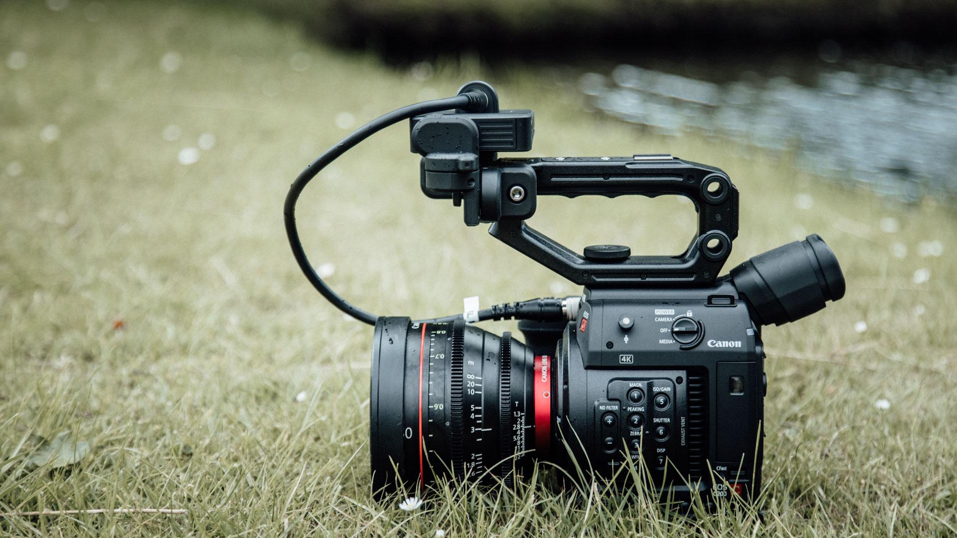 Canon C200 Review - Impressive RAW Footage & Ergonomics For