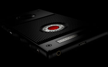 The RED Smartphone That Does 3D, VR, AR and Holographs - Say Hello to the RED Hydrogen