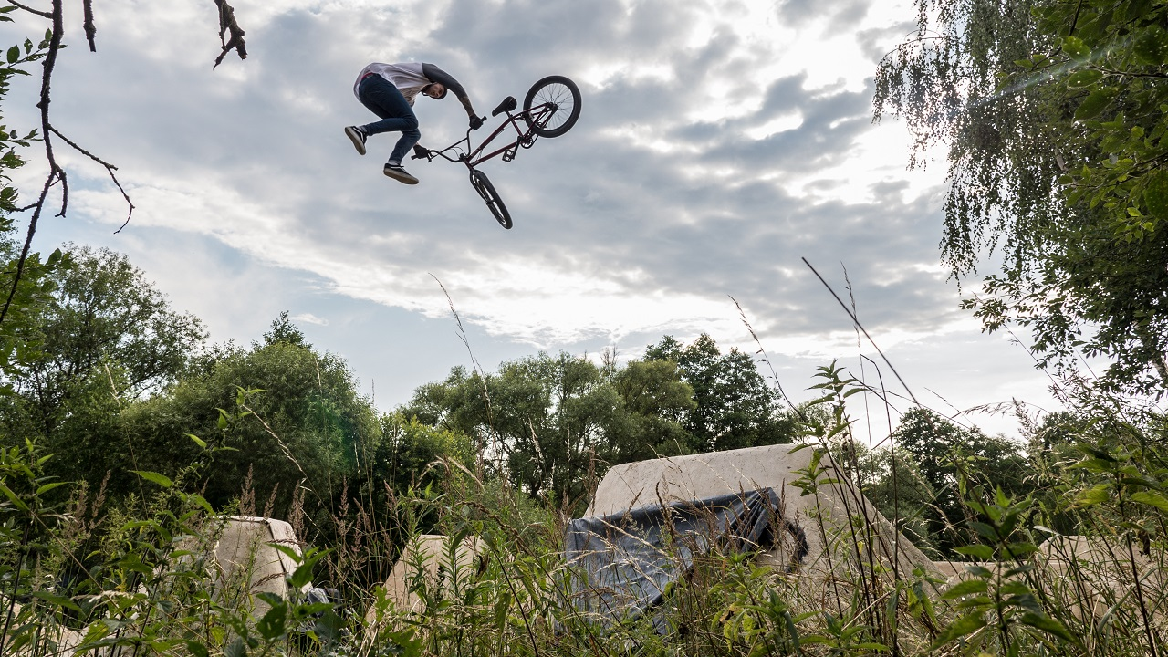 Filming Action Sports - 8 Tips for Better Shooting