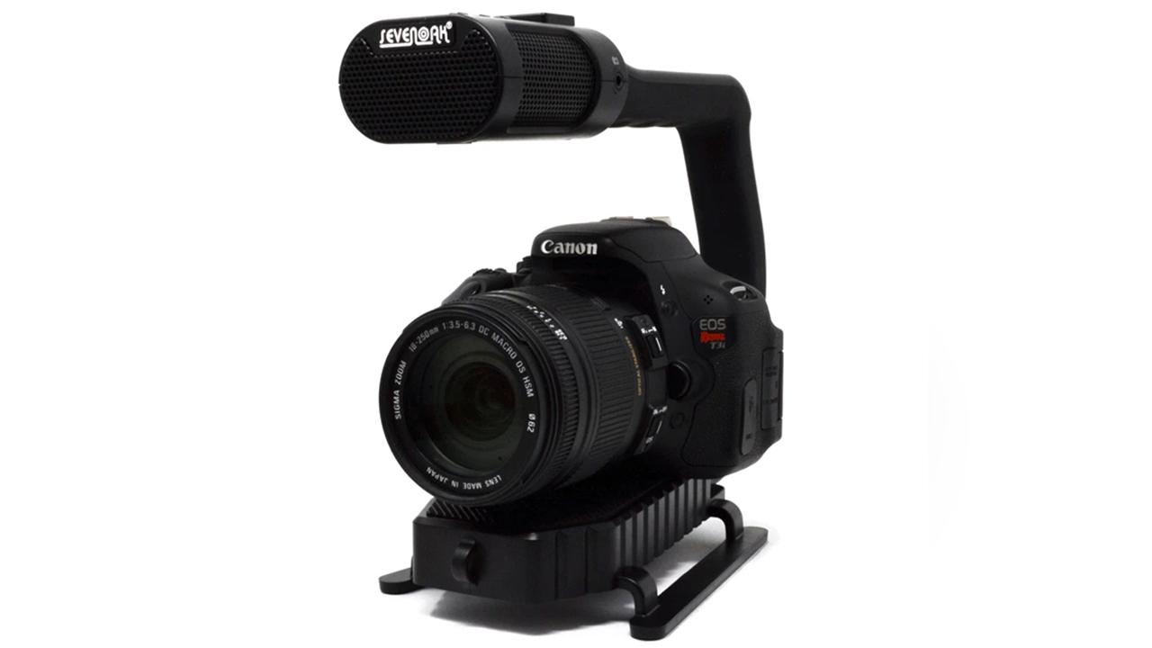 MicRig - カメラやスマートフォンに簡単に取り付けられるマイクロフォン付きハンドル