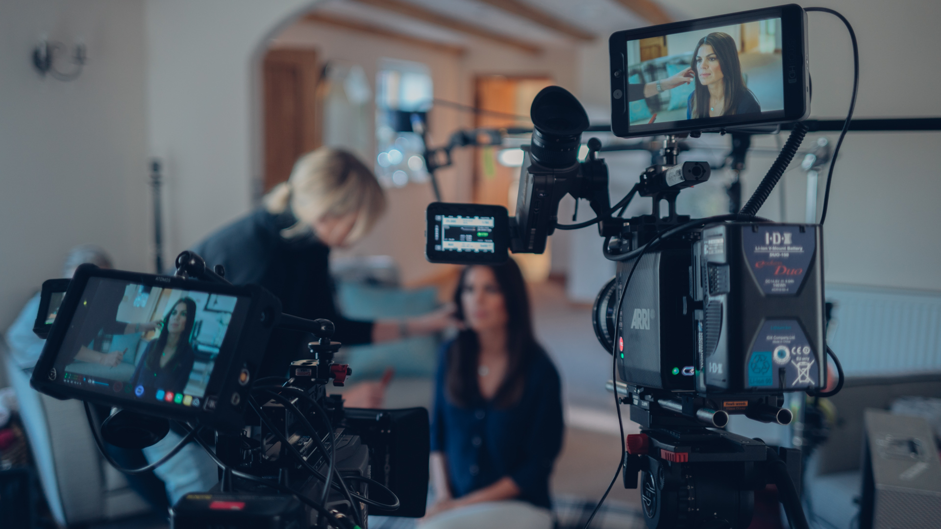 8 easy rules to enhance your interview lighting cinema5d rh cinema5d com Classic Interview Lighting Butterfly Lighting Diagram