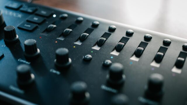 Loupedeck review - dedicated dials for color