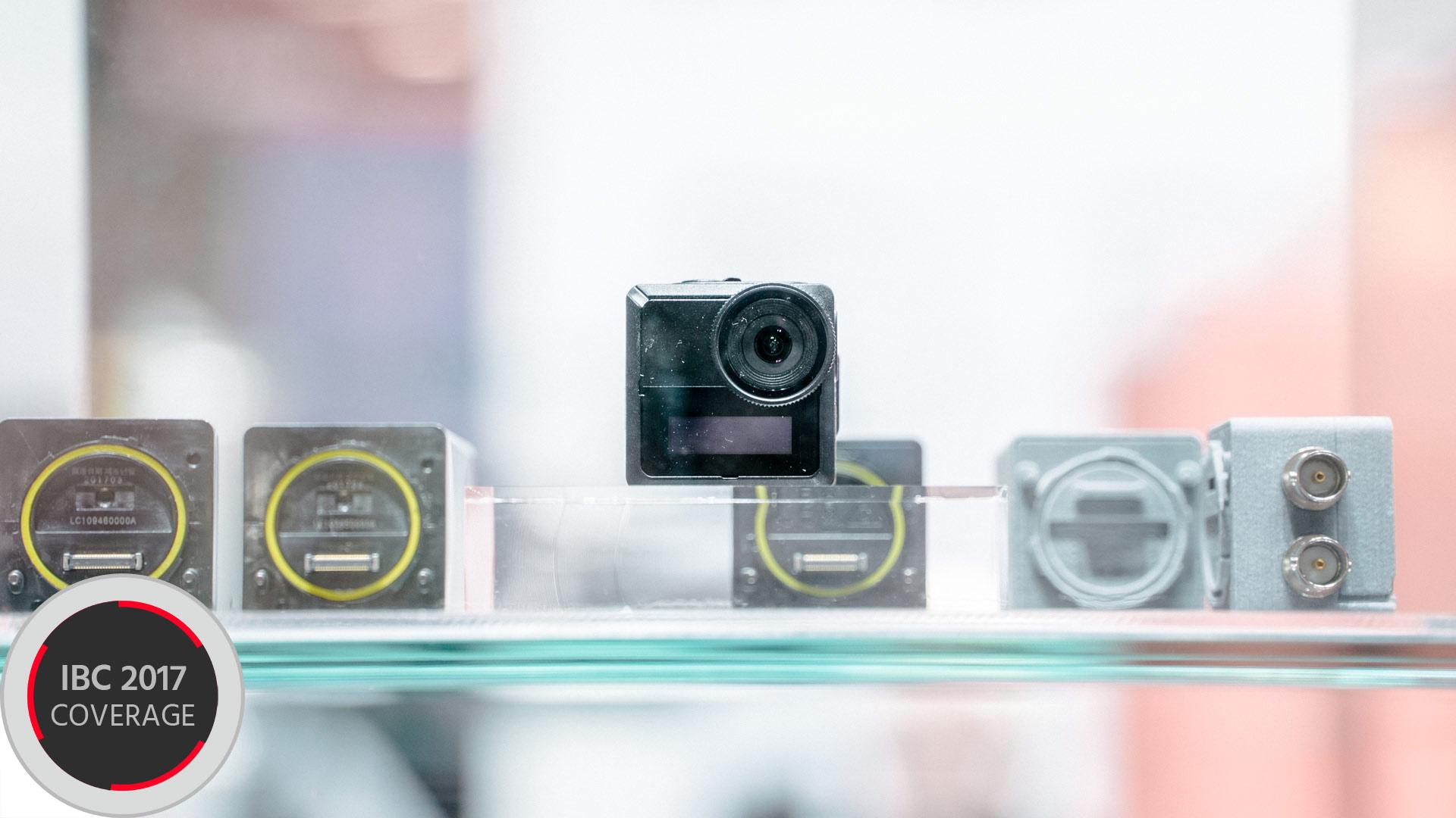 キヤノンが超小型モジュラーカメラを参考出品