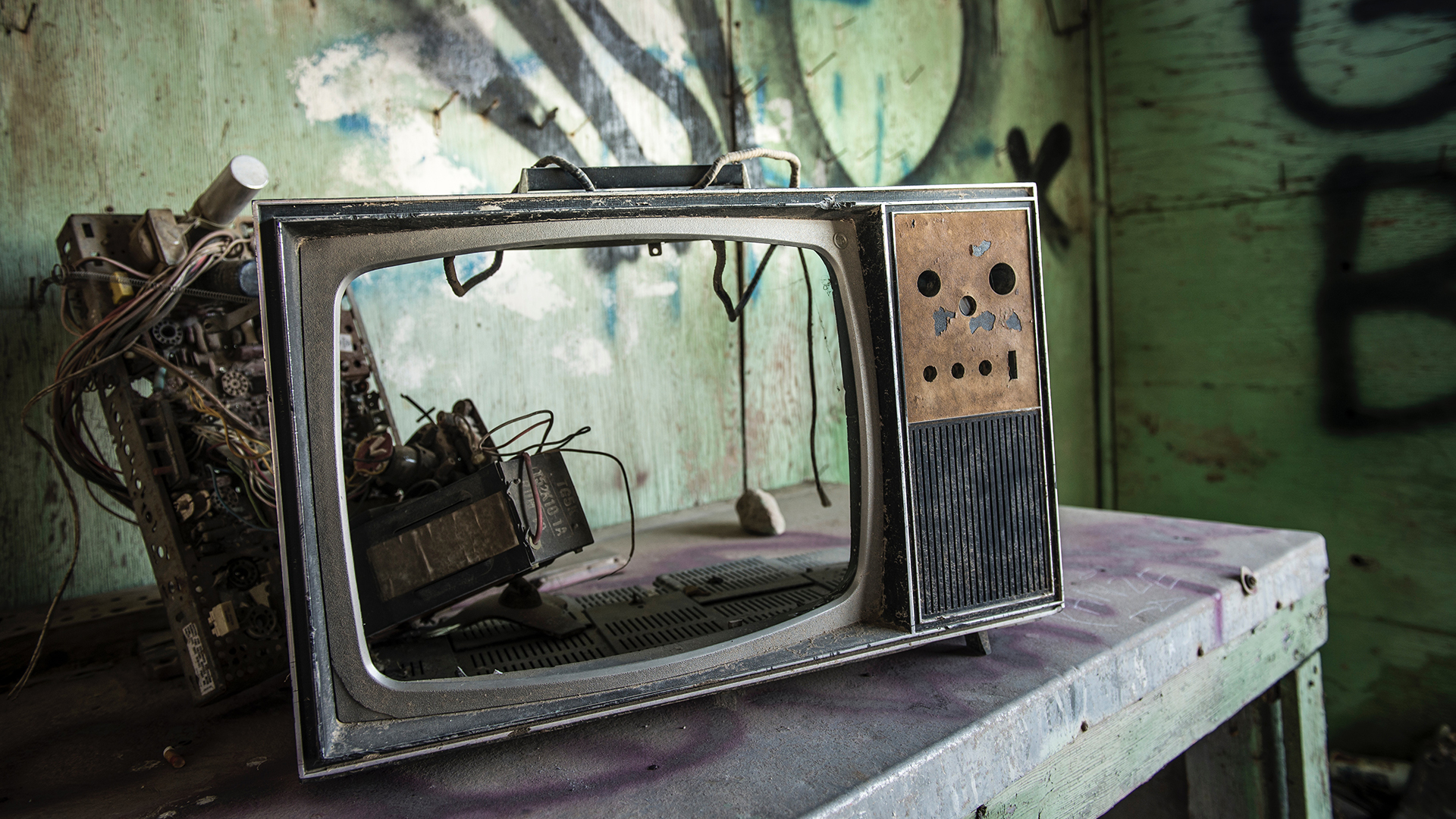 The Soap Opera Effect - How Your TV is Destroying Cinematic Efforts