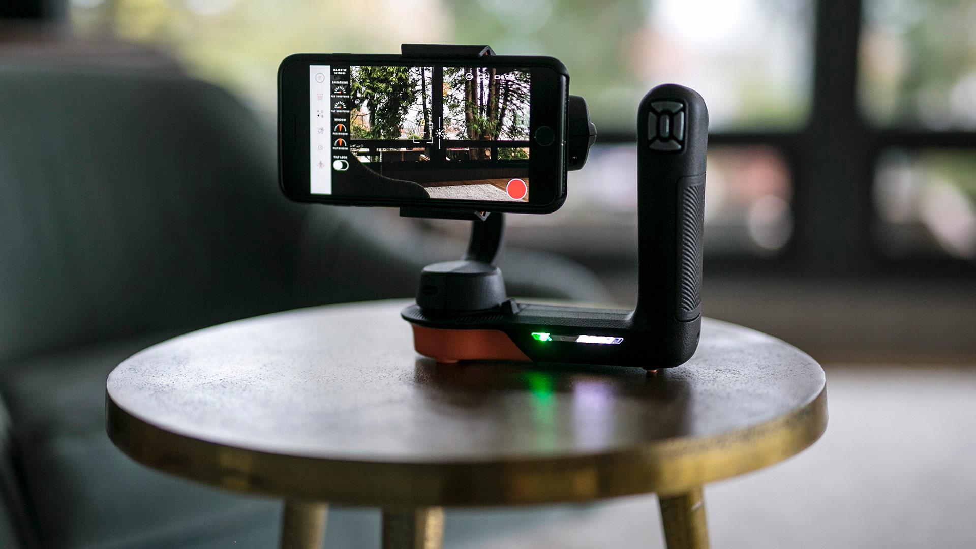 FreeflyがMoviを発表 - スマートフォン用の全く新しいスタビライザー