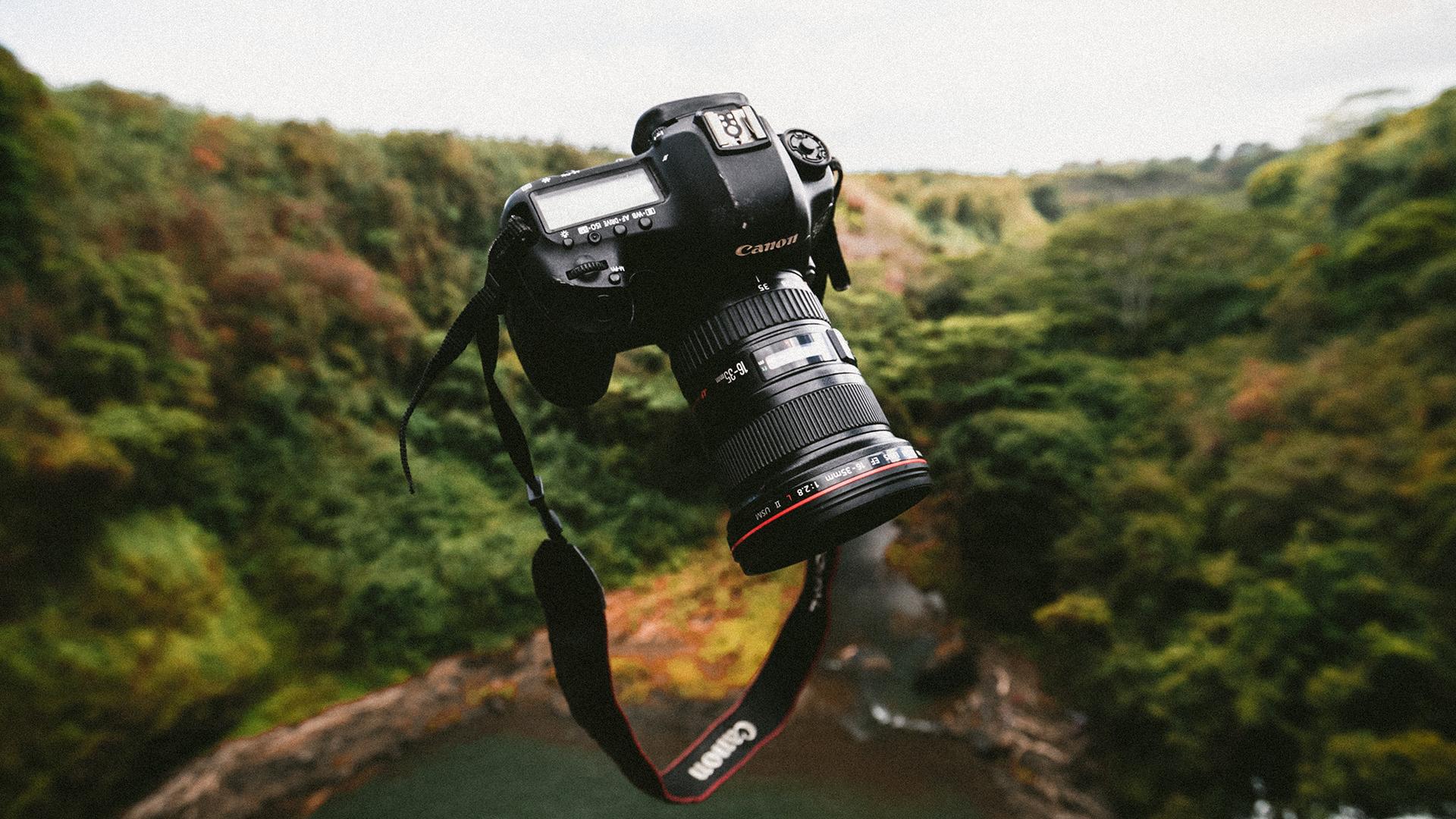 キヤノンが日本のBCNカメラランキングで首位を獲得