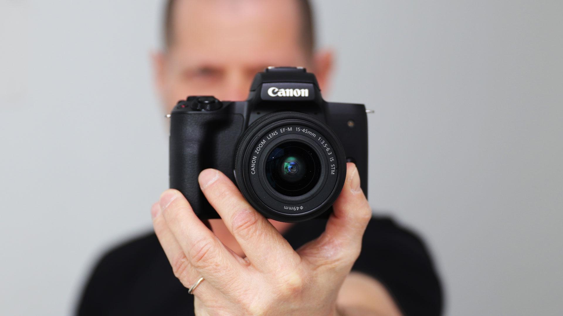 キヤノンがM50を発表 - 4K撮影が可能なミラーレスカメラ