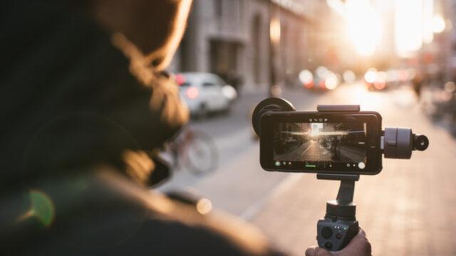 super popular 9b8c4 dffba Moment Introduces an Anamorphic Lens For Premium Smartphones | cinema5D