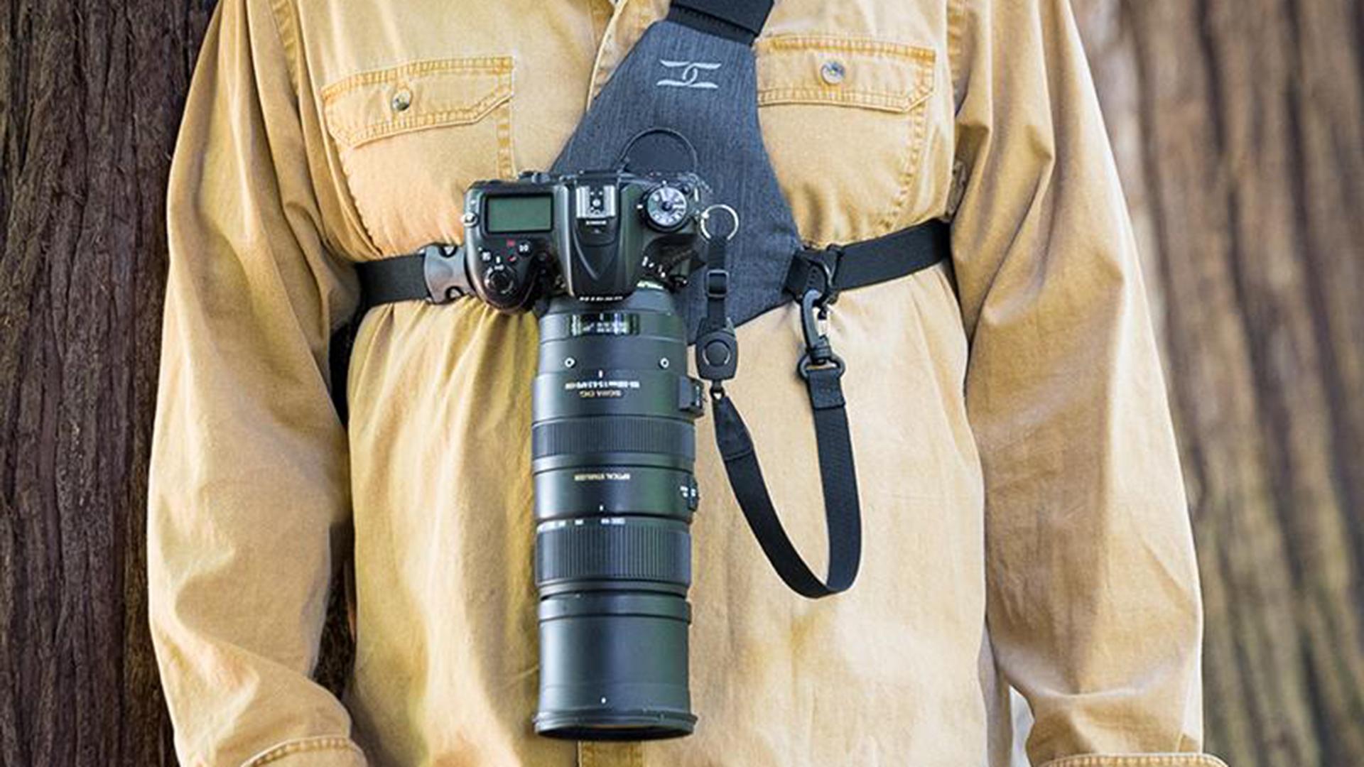 コットンキャリア(Cotton Carrier)のSKOUT - 両手が自由になるカメラホルダー