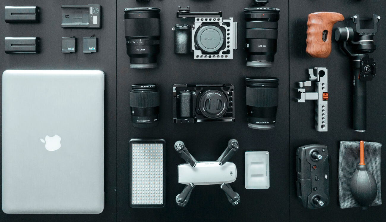 The Future is ... Tiny! The Rise of High-Quality Mirrorless Cameras