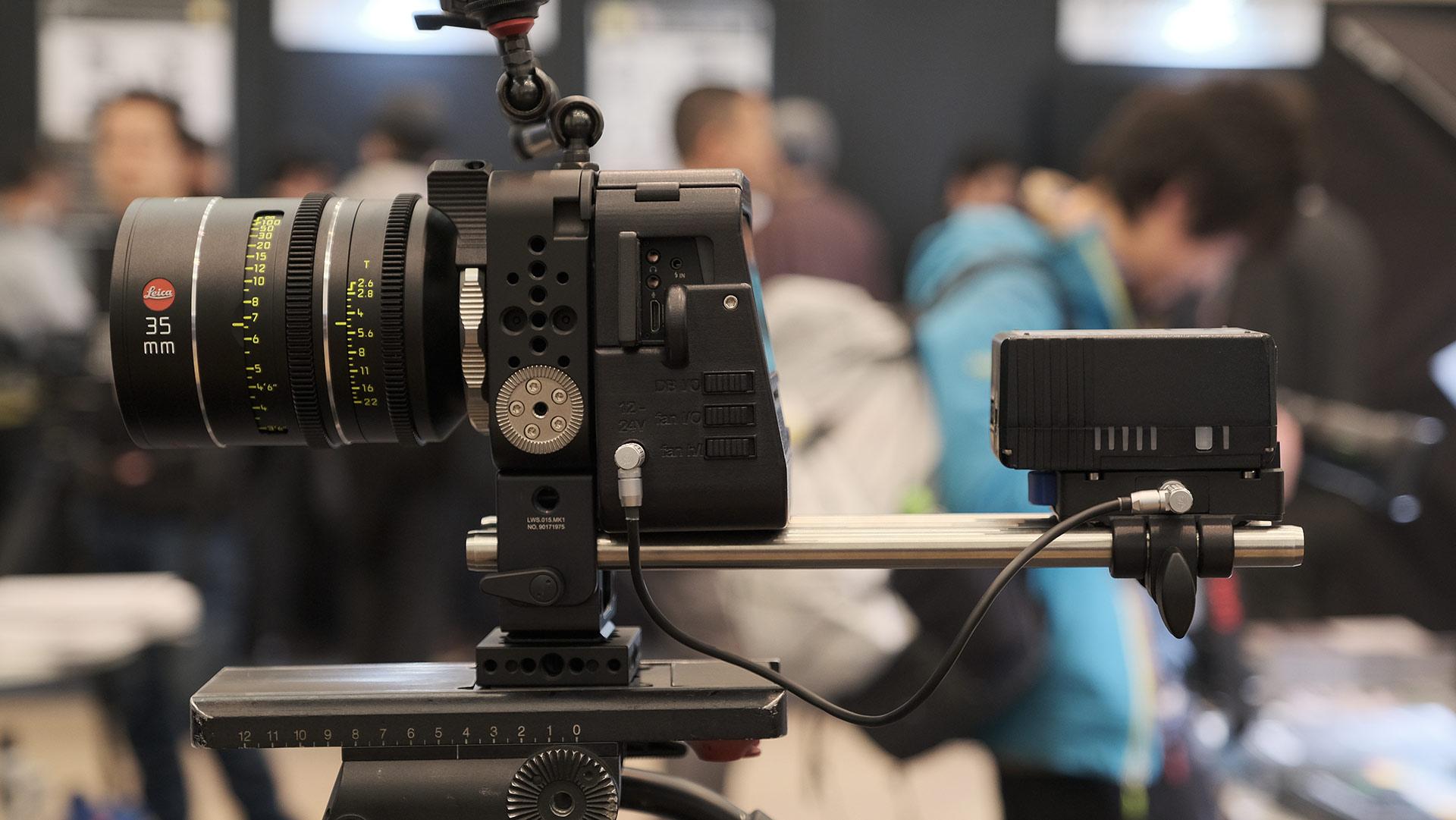 Carcasa personalizada para la Hasselblad H6D-100C, de ALPA – Rediseñada para cineastas
