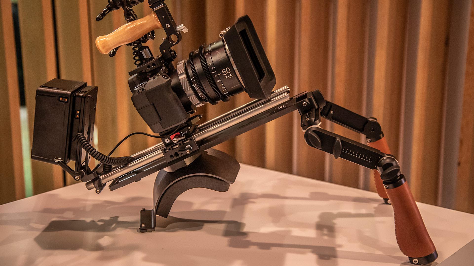 Wooden CameraがShoulder Rig V3を発表