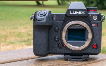 Panasonic LUMIX S1H - Full Specs & Details, First Look at the 6K Full-Frame Mirrorless