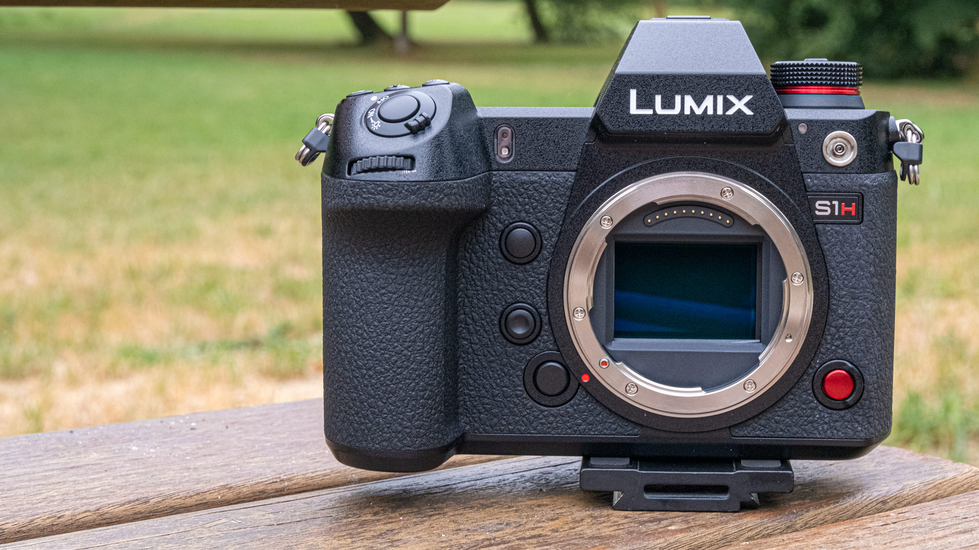 パナソニックが海外でLUMIX S1Hを正式発表 - 6Kフルフレームミラーレスカメラ