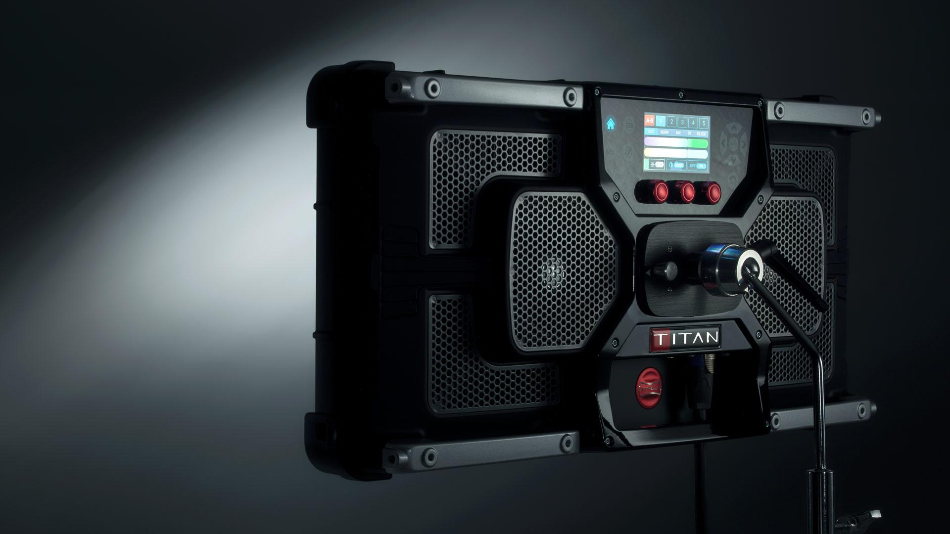 Anuncian Rotolight Titan X2 - panel LED RGBWW de luz suave 2×1