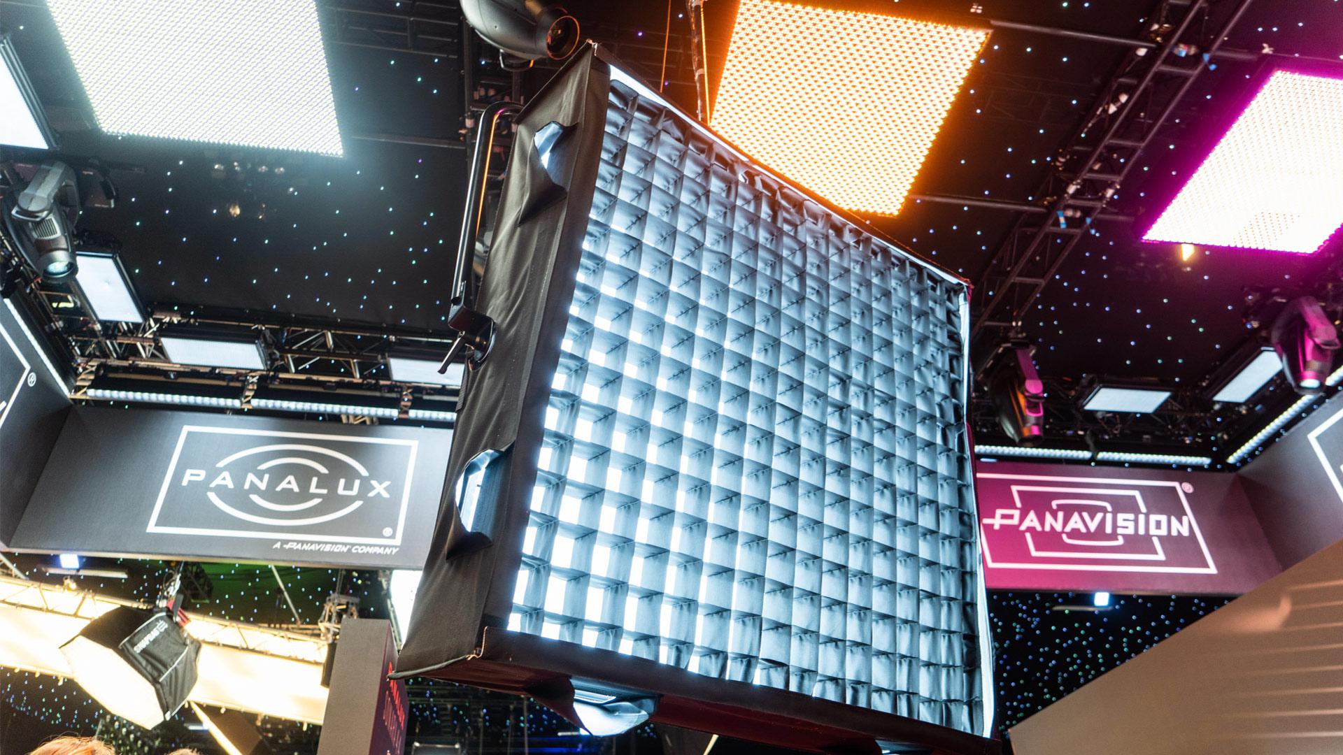 Panalux Sonara 4:4 - Luminaria de blanco variable 4×4' con salida de 5.000 lux