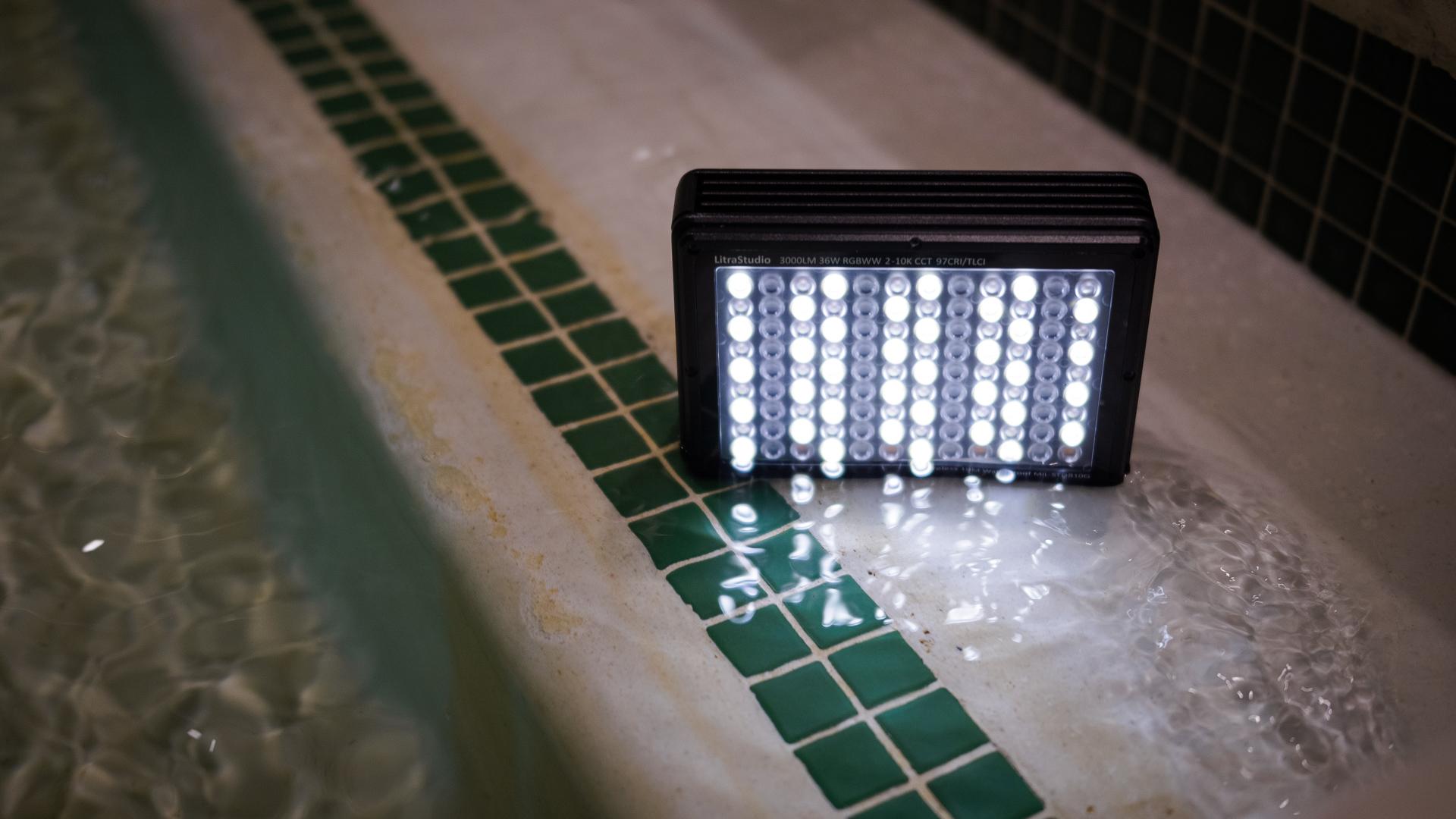 Reseña práctica de la luz Litra Studio
