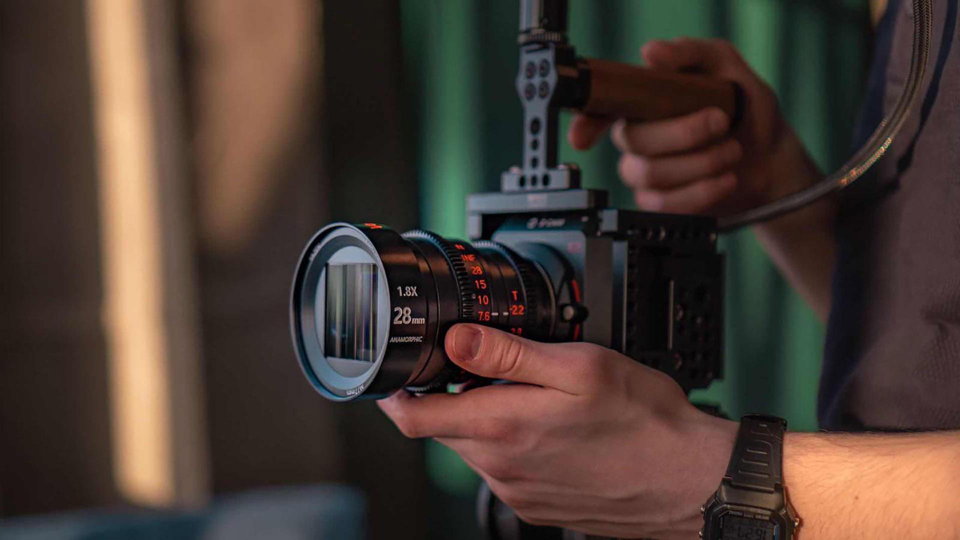 Lanzan el lente anamórfico Vazen 28 mm T2.2 1.8x