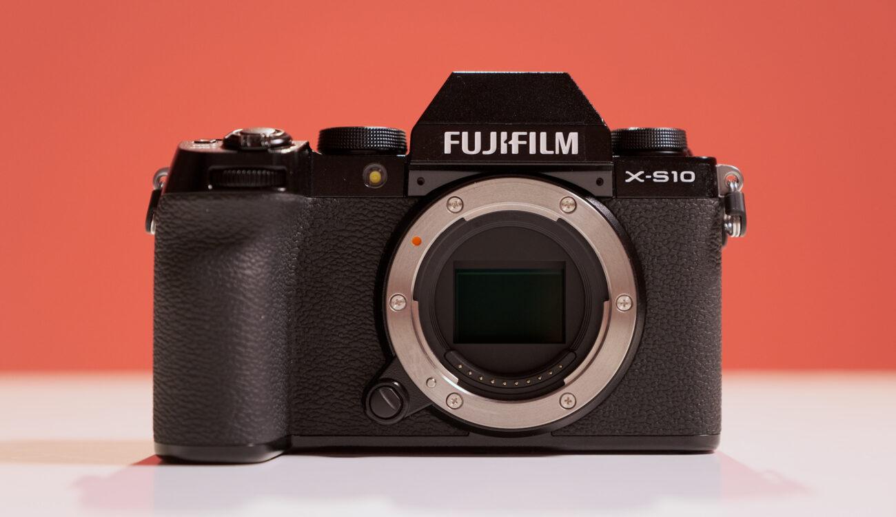 富士フイルムがX-S10を発表 - 手振れ補正内蔵のAPS-Cコンパクトカメラ