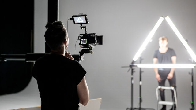 Soft Lightsources for creative lighting. Image Credit: Vibesta
