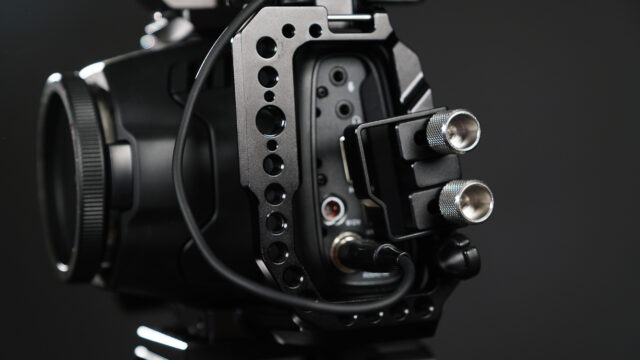 The Cable Clamp protects the vulnerable Ports. I removed the plastic Port Covers that come with the BMPCC6K.