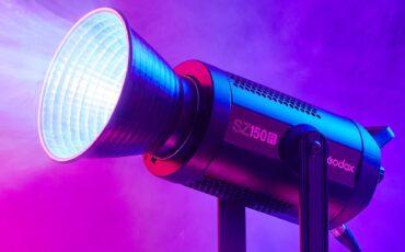 GodoxがSZ150R RGBズームライトを発売