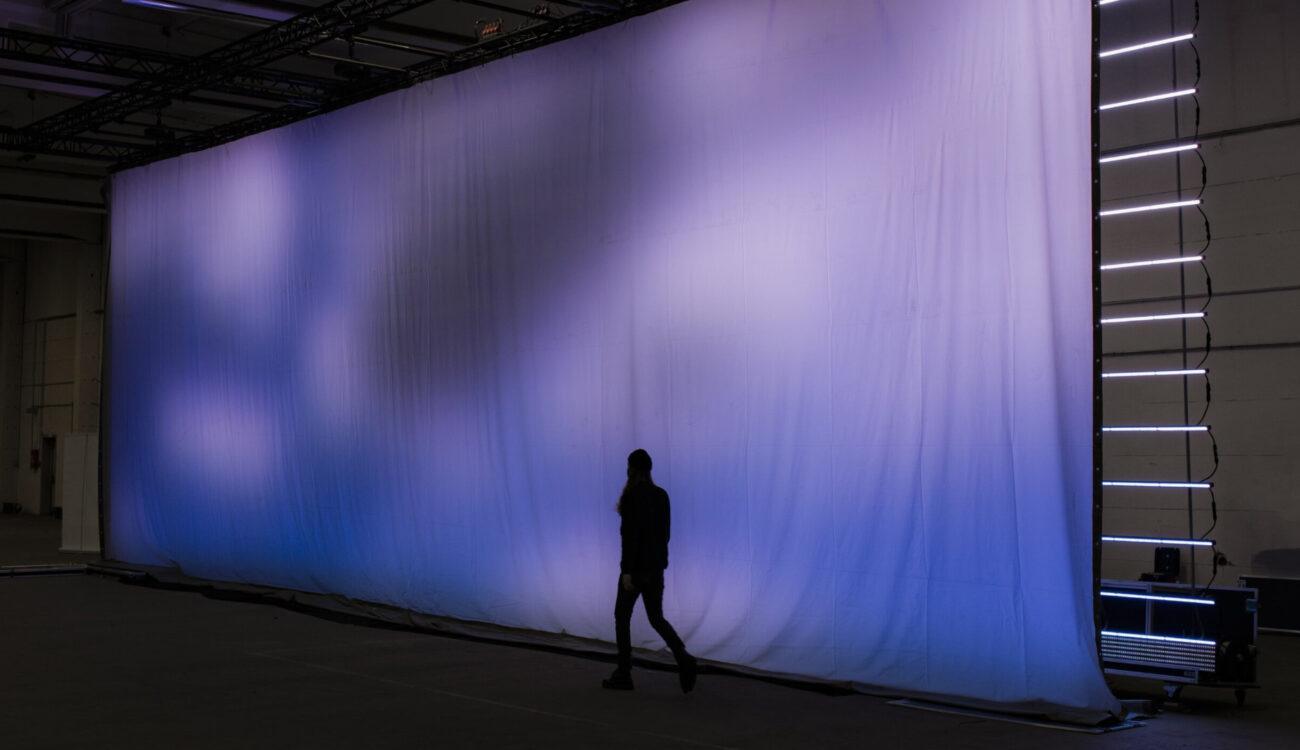 SUMOSKY - Pared LED expandible para facilitar el trabajo de efectos visuales en el estudio
