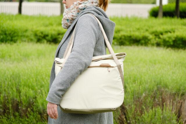 Peak Design Everyday Tote bag is a handbag-style camera bag