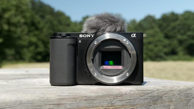 Sony ZV.-E10 review