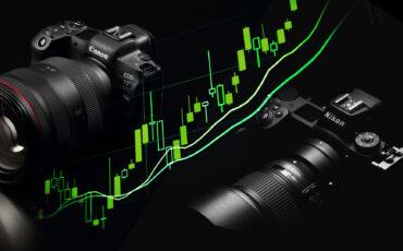 300万台のカメラを販売 - キヤノンとニコンの決算報告